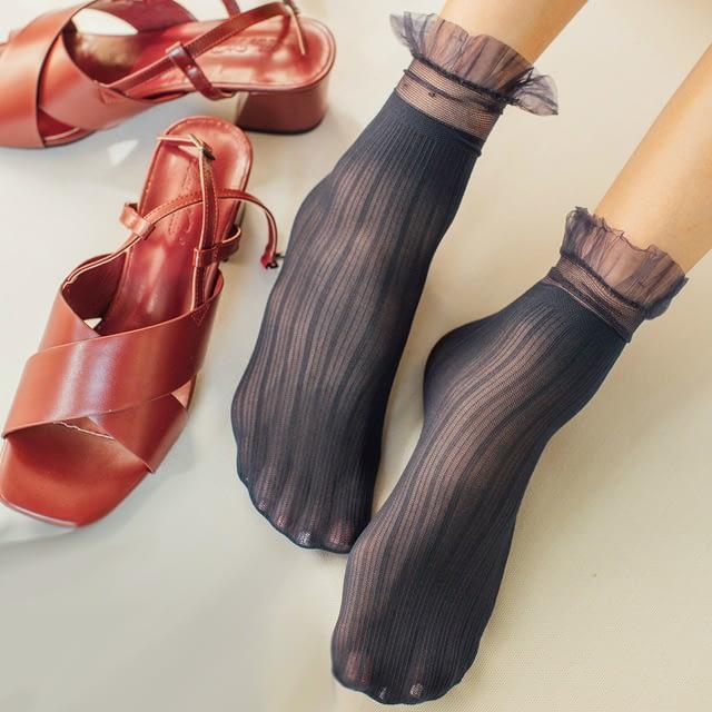 Woman-Socks-1-Pair-2019-Spring-New-Fashion-Socks-Solid-Color-Women-Soft-Cute-Long-Socks_0
